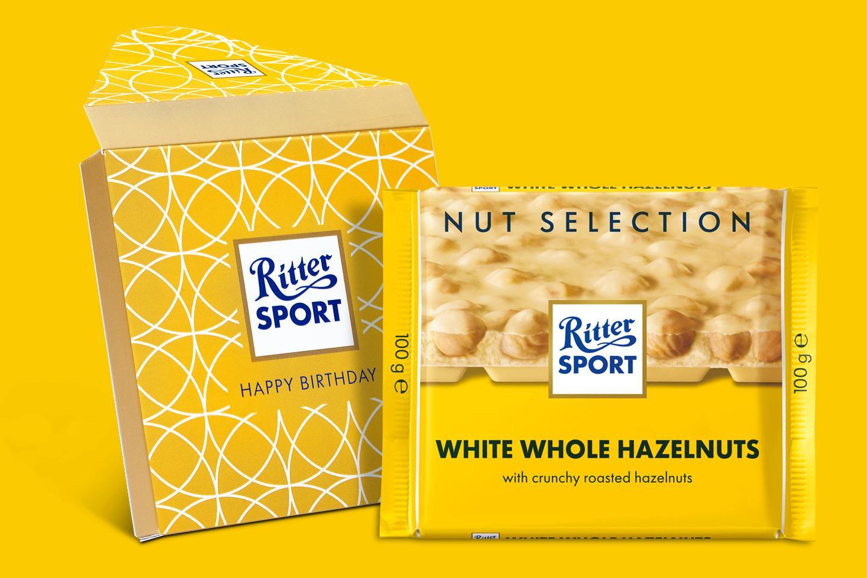 White Whole Hazelnuts Gift Wrapped 100g Chocolate Bar